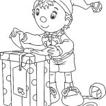 Elf, Noddy The Elf Preparing Christmas Present Coloring Page: Noddy the Elf Preparing Christmas Present Coloring Page