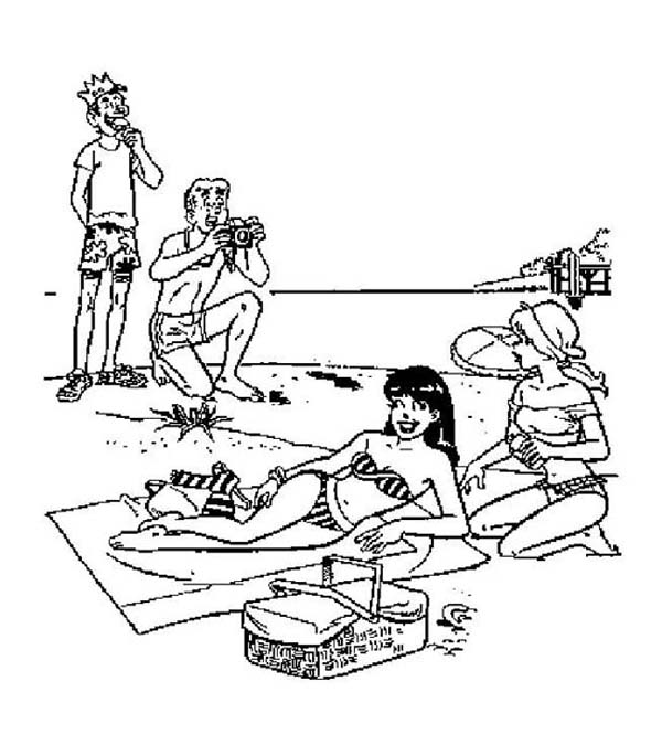 Archie, : Archie and Friends is in Vacation on the Beach Coloring Page