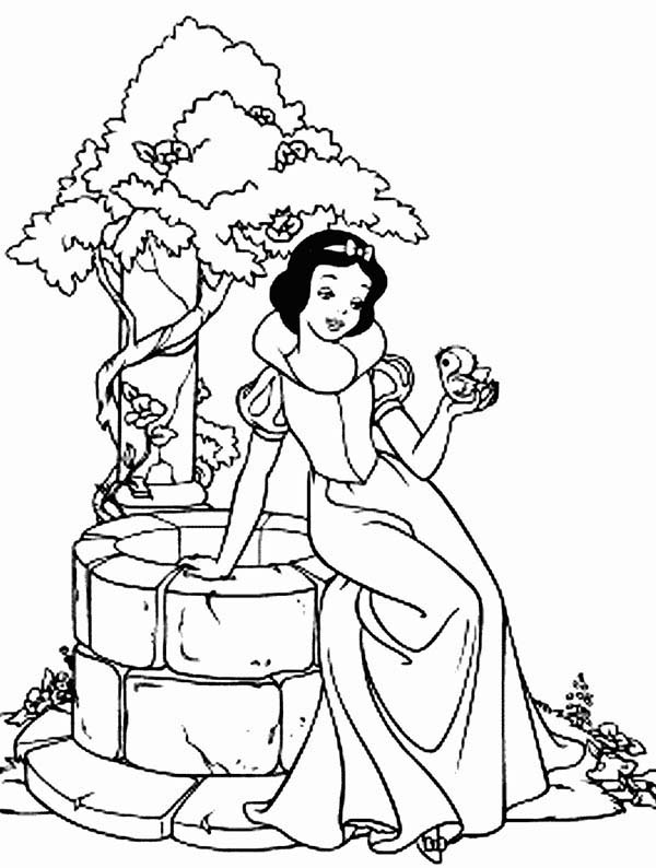 Snow White, : Snow White Sitting on the Side of Well Coloring Page