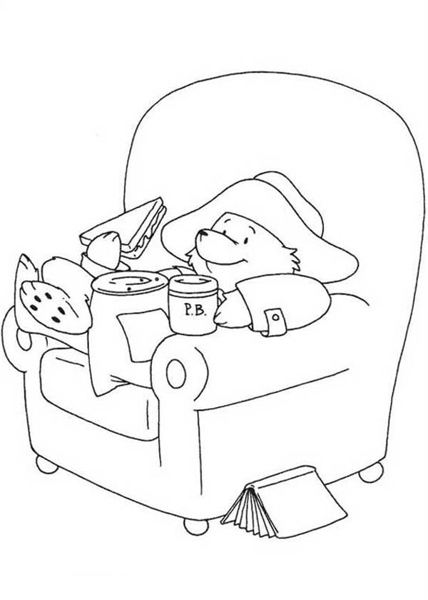 Paddington Bear, : Paddington Bear Eating Sandwich Coloring Page