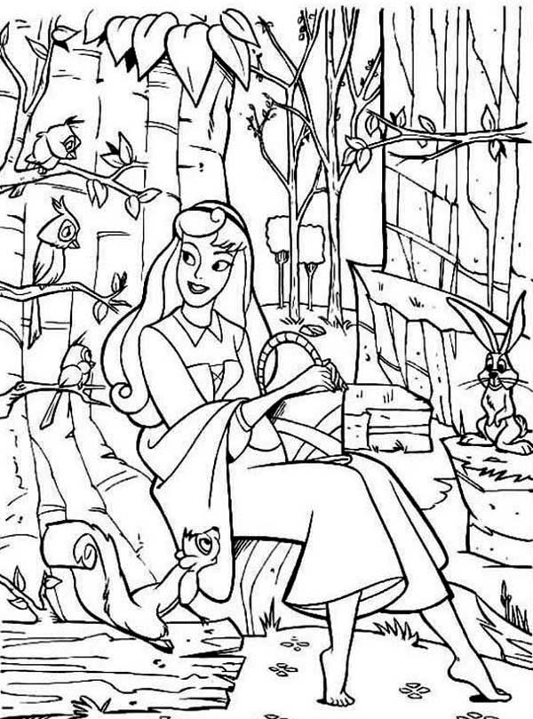Sleeping Beauty, : Princess Aurora Talking to Her Friends in Sleeping Beauty Coloring Page