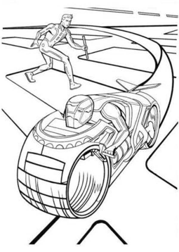 Tron, Tron Legacy Sam Flynn Attack Enemy With Barehand Coloring Pages: Tron Legacy Sam Flynn Attack Enemy with Barehand Coloring Pages